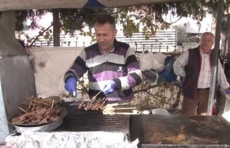 Pazarların seyyar lezzetleri büyük ilgi görüyor
