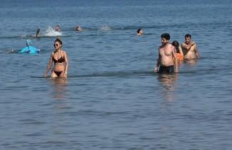 Plajlar pandemi sonrası en yoğun günlerini yaşıyor