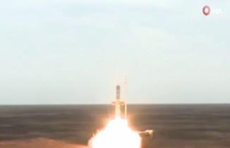 Rusya modernize ettiği S-300'lerle balistik füze tatbikatı yaptı