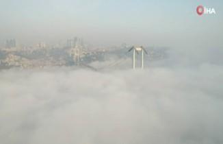 Sise teslim olan İstanbul'da masalsı görüntüler