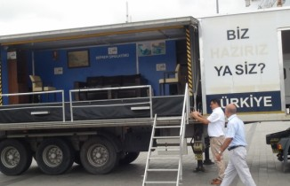 Taksim Meydanı'nda deprem simülasyon tırına yoğun ilgi