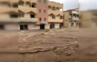 Umman'ı sel vurdu: 1 ölü, 1 kayıp