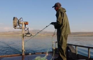 Van Gölü balıkçılarını bereketli bir sezon bekliyor