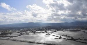 Muğla'da sağanak yağış kenti göle çevirdi