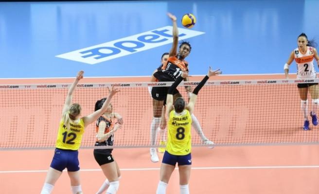 Sultanlar Ligi: Fenerbahçe Opet: 3 - Eczacıbaşı VitrA: 2