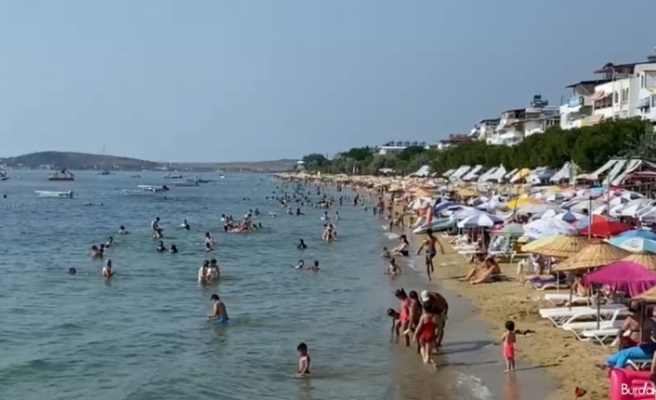 Avşa Adası'nda tatilci yoğunluğu
