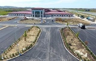 Türkiye Arnavutluk'a söz verdiği hastanenin inşaatını...