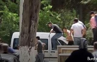 Adli Tıp önünde gazeteciye çirkin saldırı