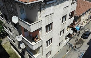 Deprem sonrası Pendik'te boşaltılan apartmanın...