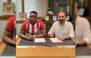 Leke Samson James resmen Sivasspor'da