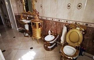 Rus trafik polisinin evinden altın kaplama tuvalet...