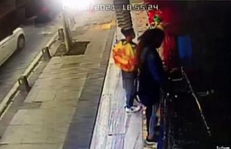 Ümraniye'de kadın şahıs yaptığı hırsızlığa çocuğunu da karıştırdı