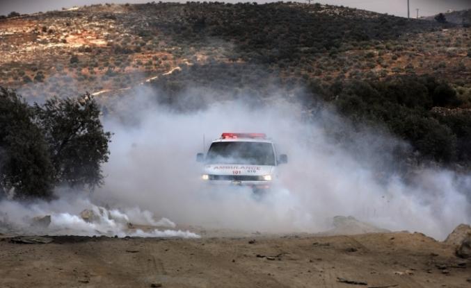 """""""İsrail güçlerinin  Filistinlilere müdahalesinde 320 kişi yaralandı"""""""