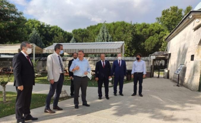Milli Eğitim Bakan Yardımcısı Özer'den Rektör Tabakoğlu'na teşekkür