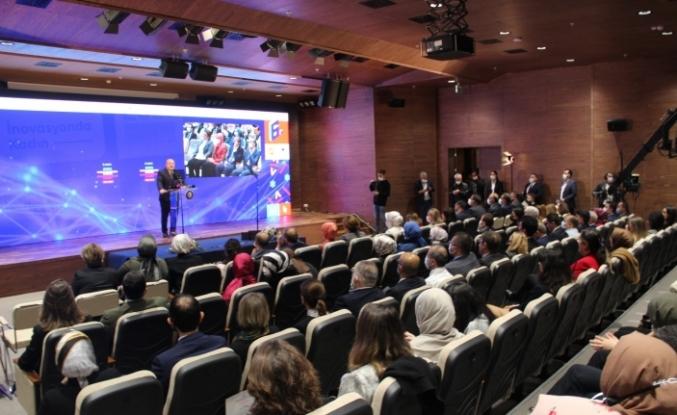 6. İnovasyonda Kadın Projesi Girişimcilik Kampı'nda ödüller sahiplerini buldu