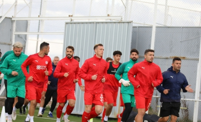 Sivasspor, Adana maçı hazırlıklarına başladı