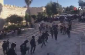 İsrail güçlerinden, Şam Kapısı'nda aşırı sağcı Yahudileri protesto eden Filistinlilere müdahale